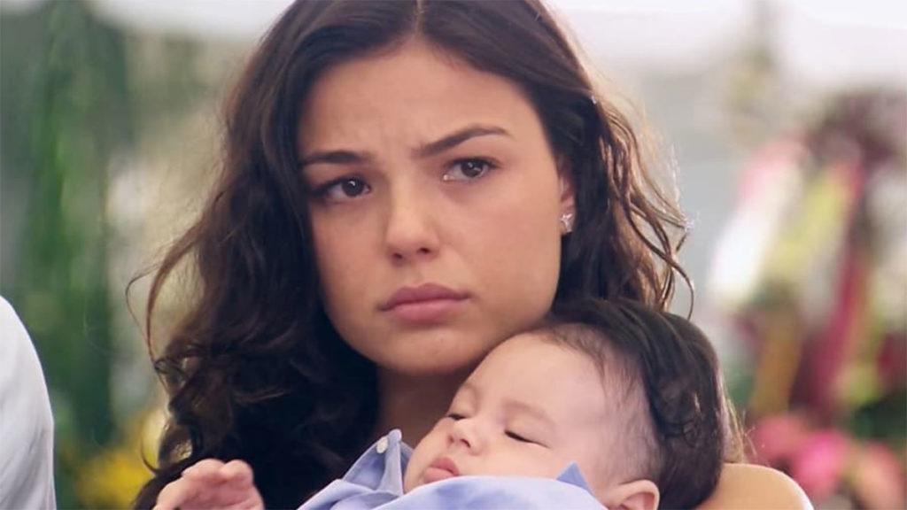Marcela deixa a casa de Giancarlo com Paulinho