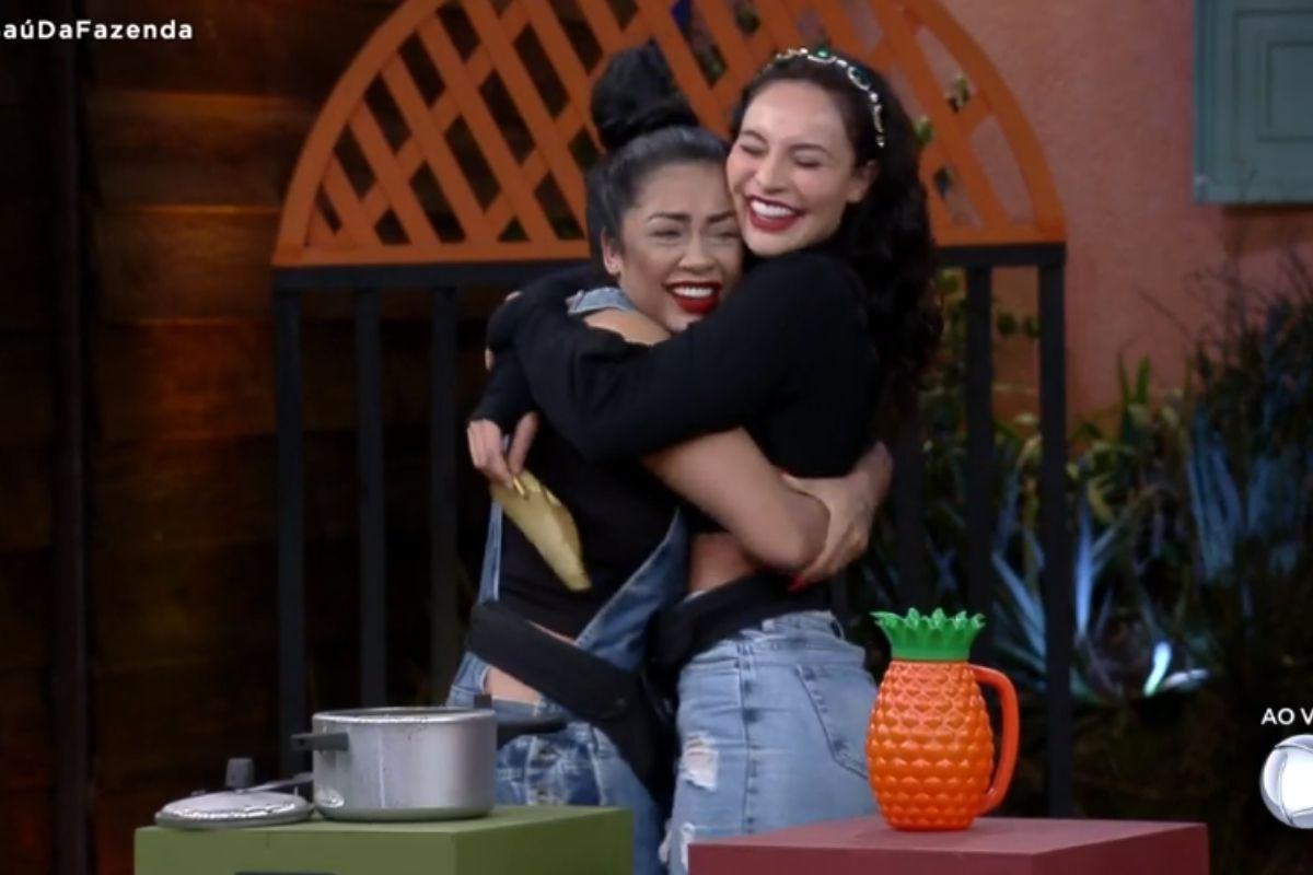 Medrado abraça Aline