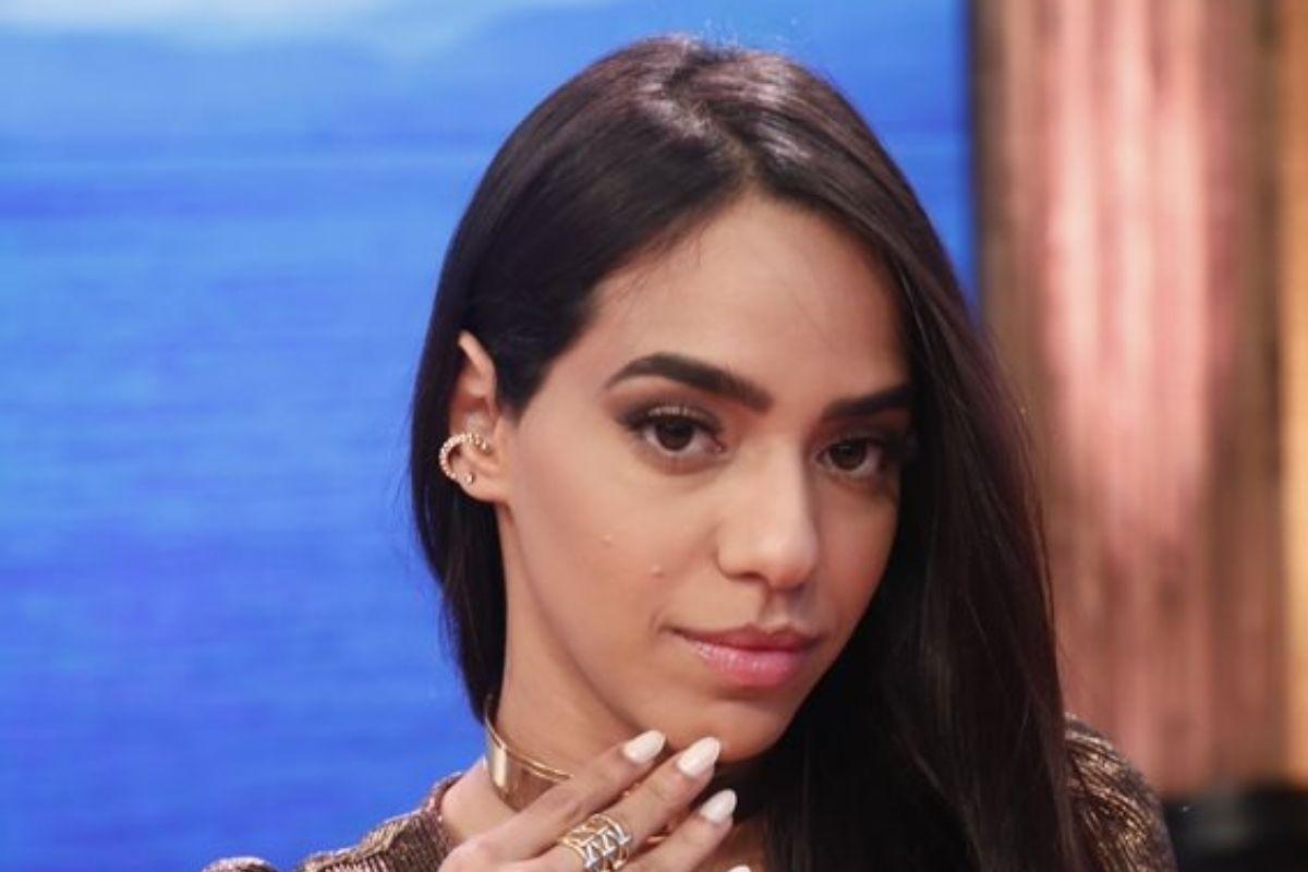 Mirella Santos na final do reality show Ilha Record