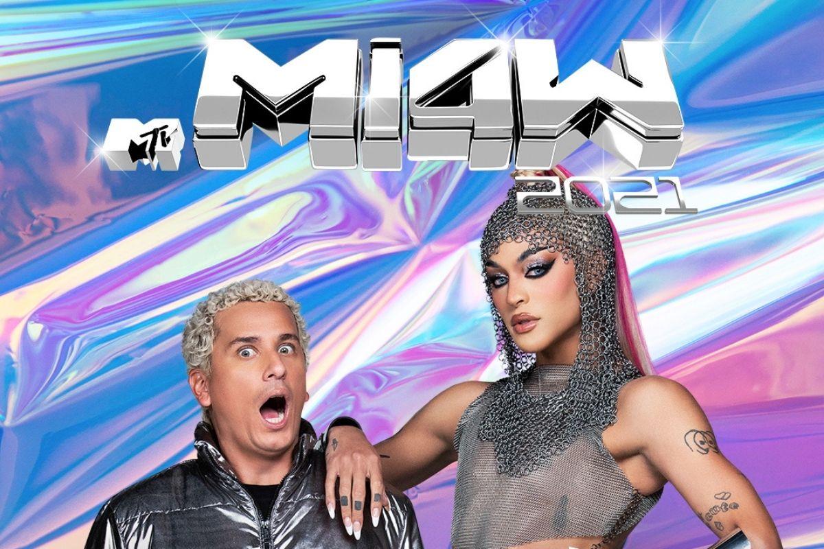 Pabllo Vittar e Rafael Portugal em divulgação do MTV MIAW 2021