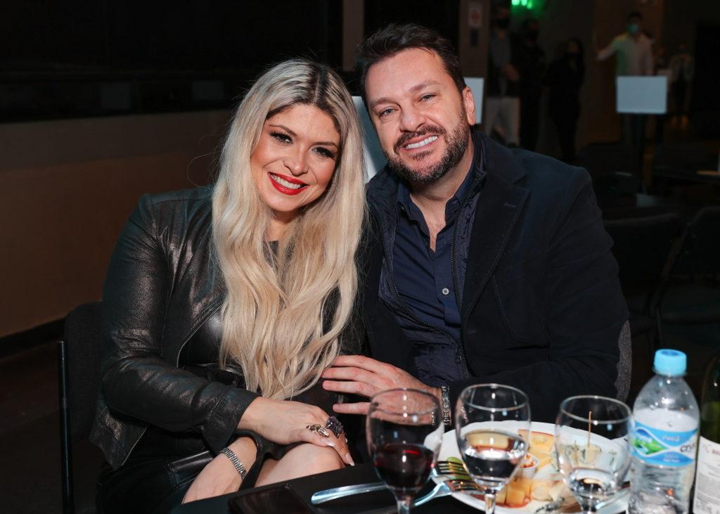 Adryana Ribeiro com namorado