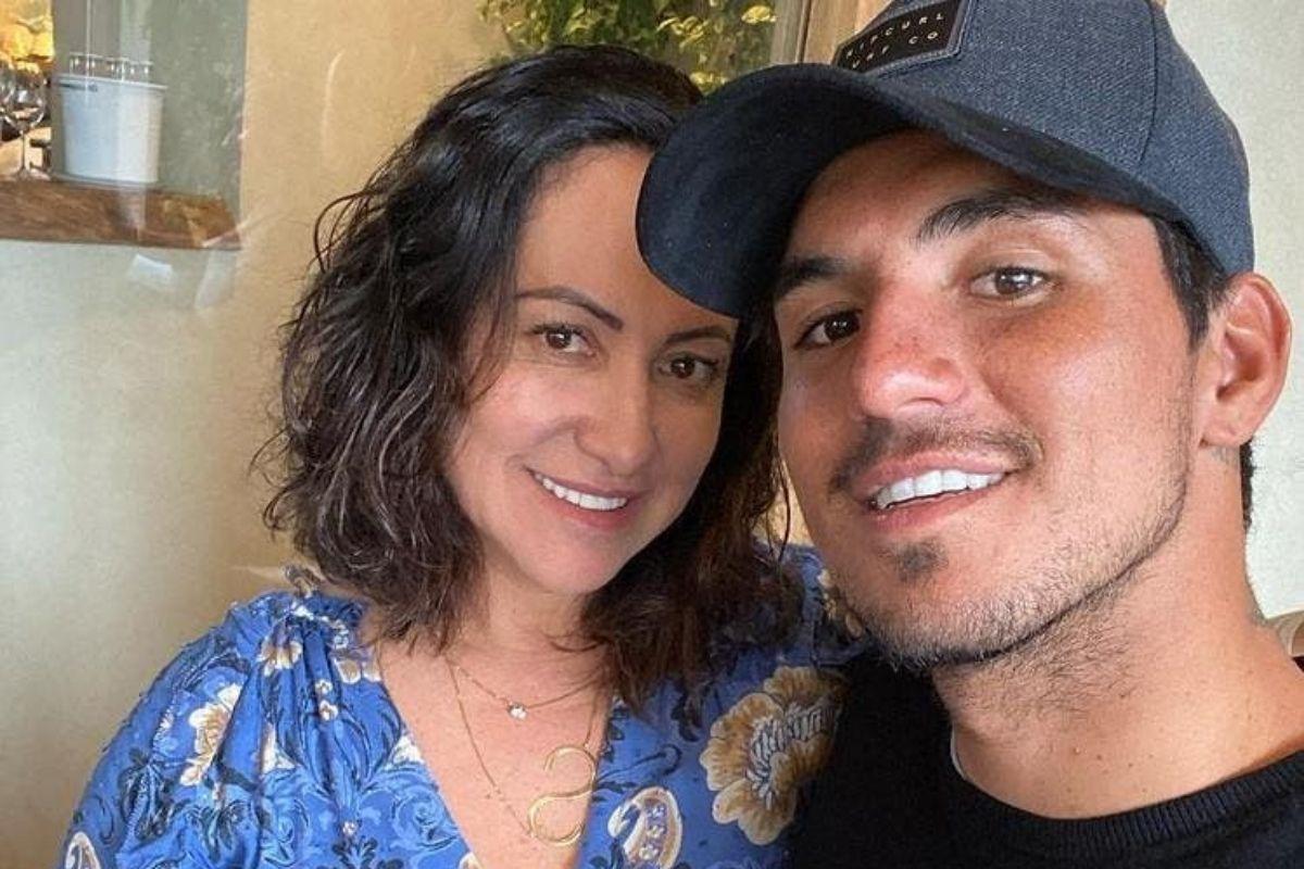Selfie de Simone Medina com o filho Gabriel Medina