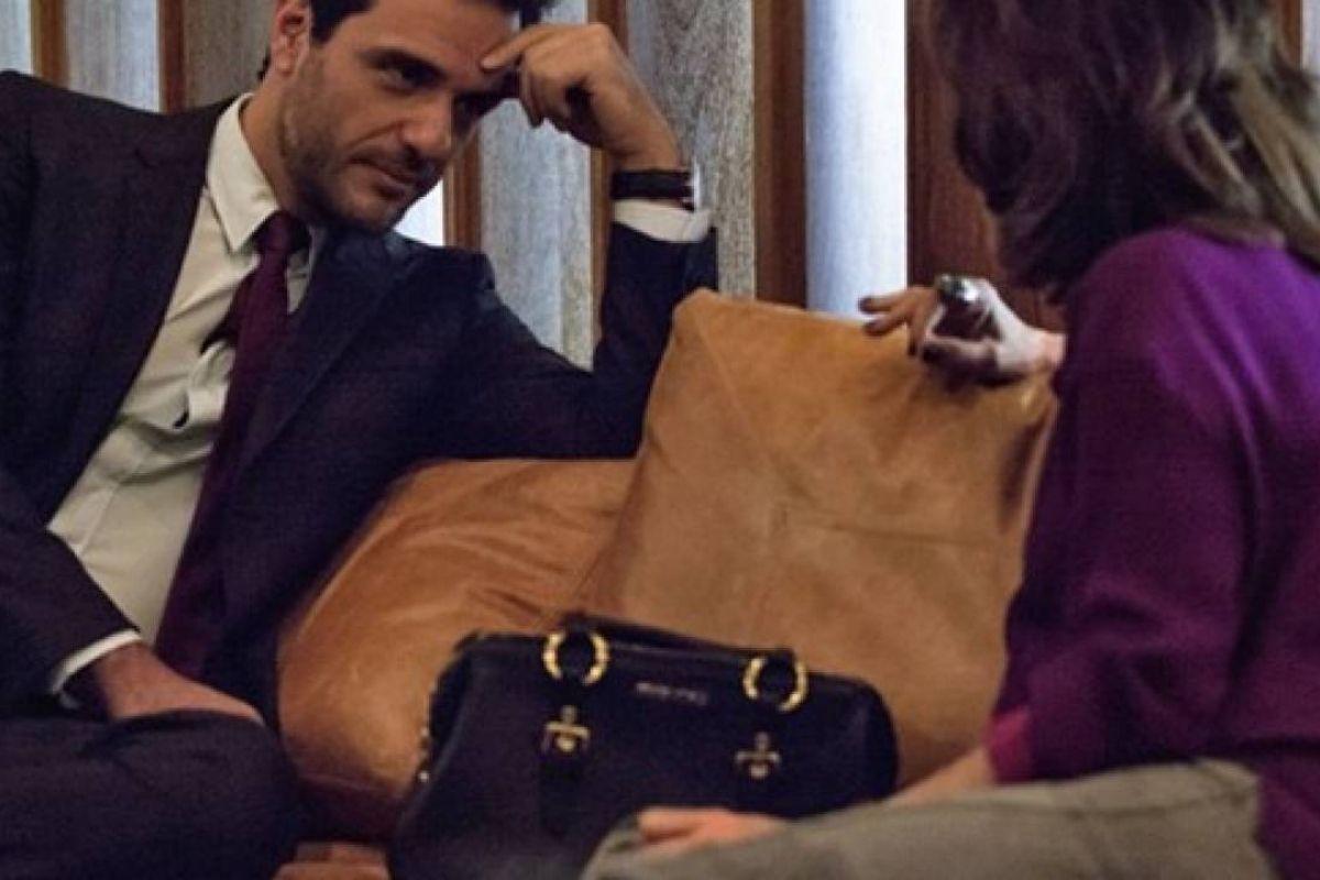 Verdades Secretas - Alex quer Angel de volta e promete assinar contrato de exclusividade com Fanny