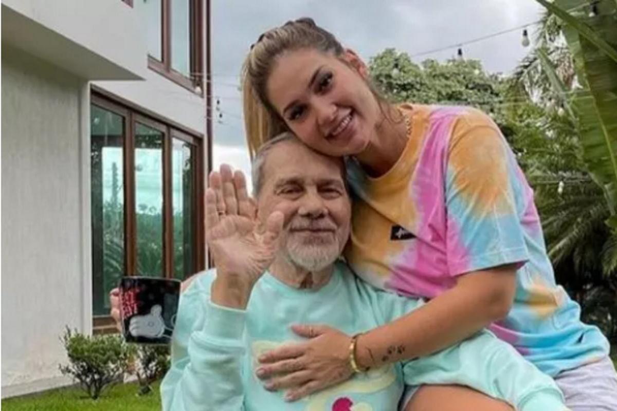 Virginia Fonseca e pai