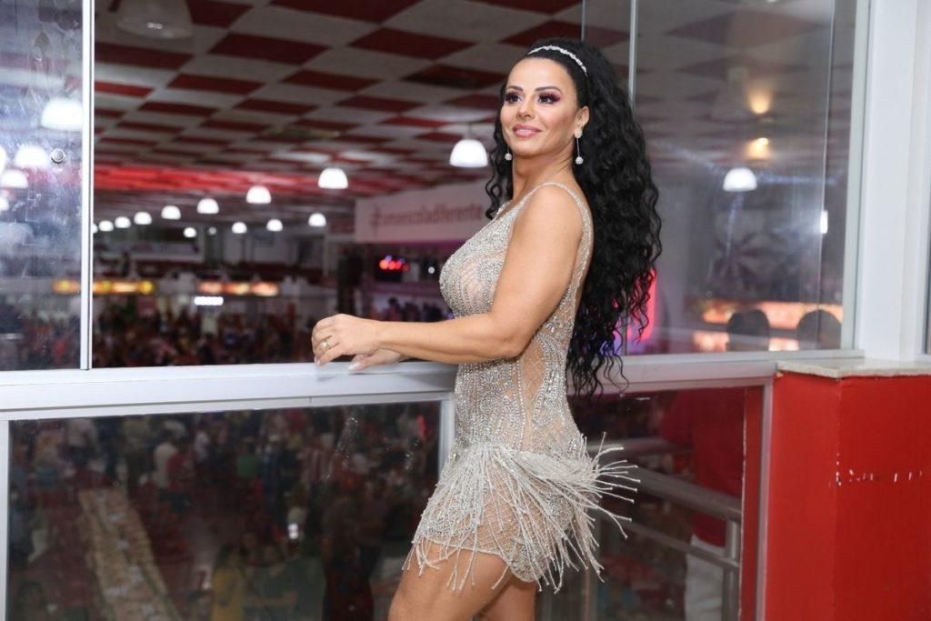 Viviane Araújo comemora aniversário do marido