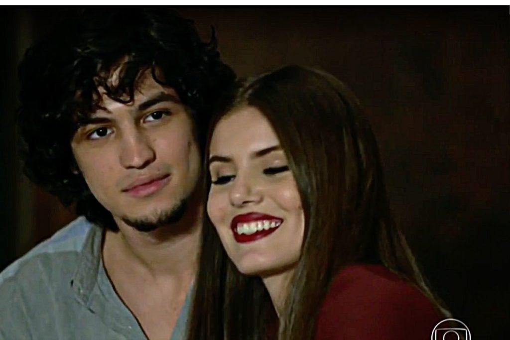 Angel (Camila Queiroz) e Guilherme (Gabriel Leone) em Verdades Secretas