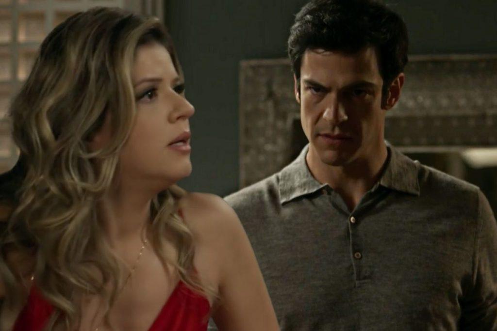 Eric (Mateus Solano) procura Maria Pia (Mariana Santos)