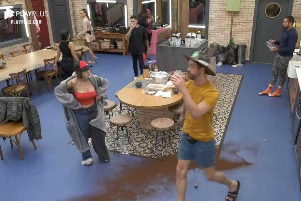 A Fazenda 13: Rico espalha café e gera briga entre peões