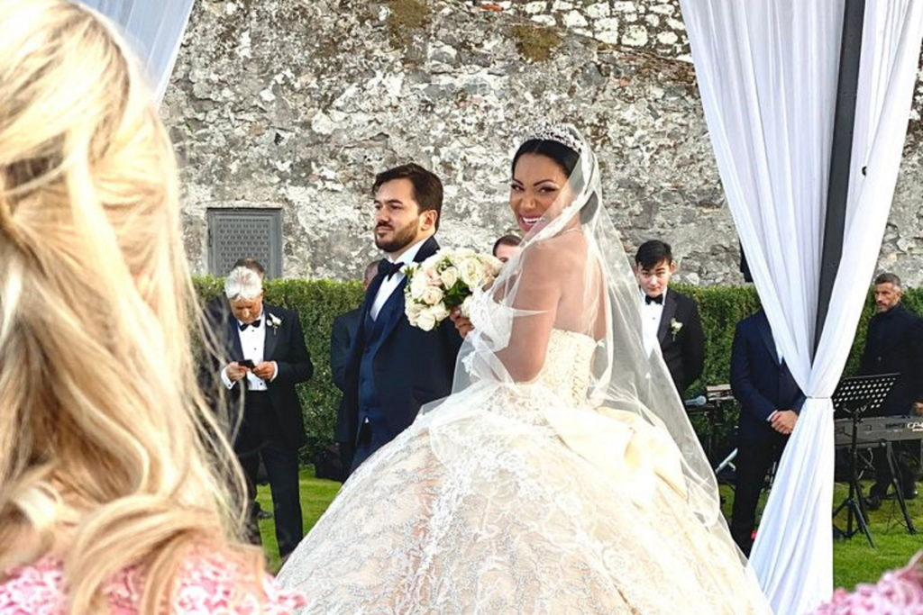 Ana Paula Evangelista casando