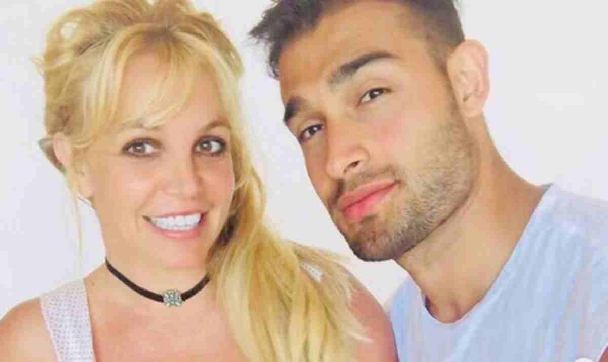 Britney Spears em selfie com o noivo