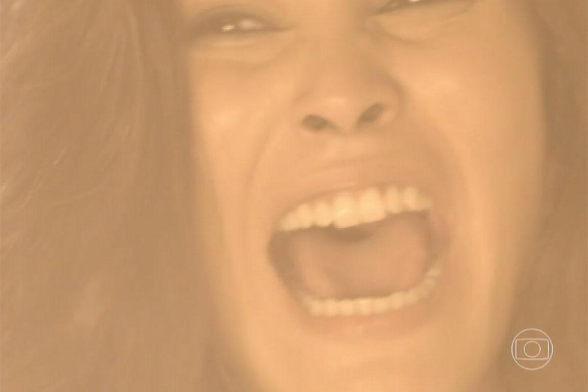 Carmen (Ana Carolina Dias) morre queimada em Império