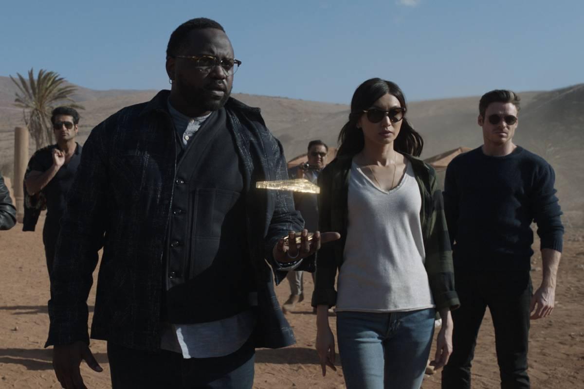 eternos juntos em cena do trailer indo para uma missão