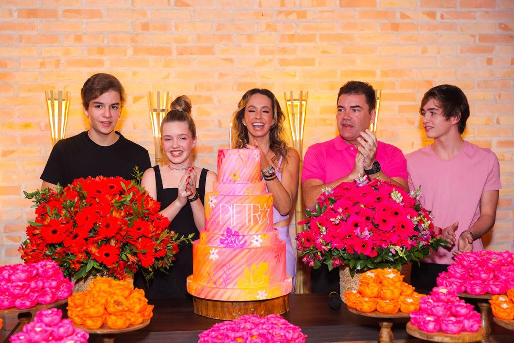 Pietra Quintela comemorou aniversário ao lado da família