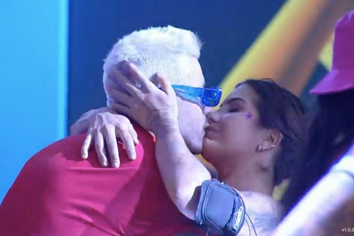 A Fazenda 13: Gui Araújo comenta beijo em Marina Ferrari