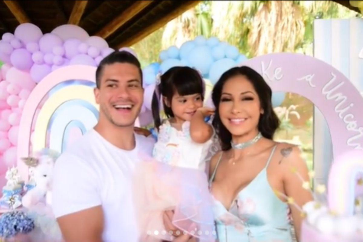 Mayra Cardi faz festão para filha caçula