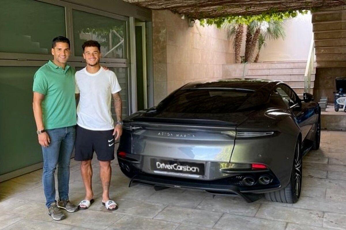 Jogador Phillipe Coutinho compra carro do 007