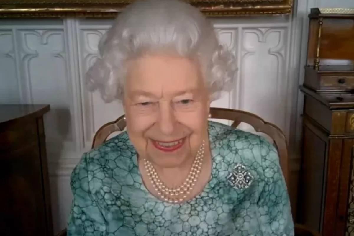 rainha-elizabeth-em-video-chamada