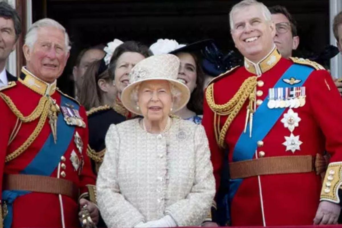 Rainha Elizabeth II relembra marido