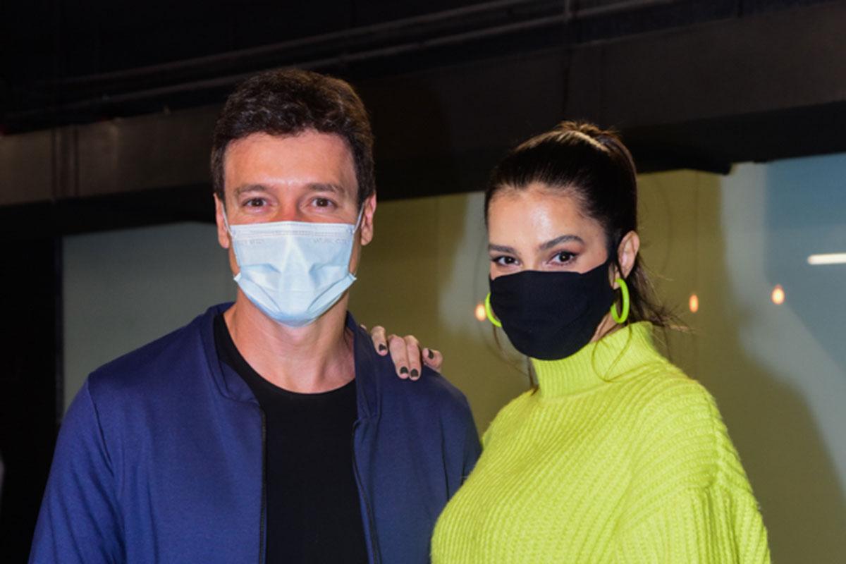 Rodrigo Faro e Vera Viel prestigiam peça de Eri Johnson