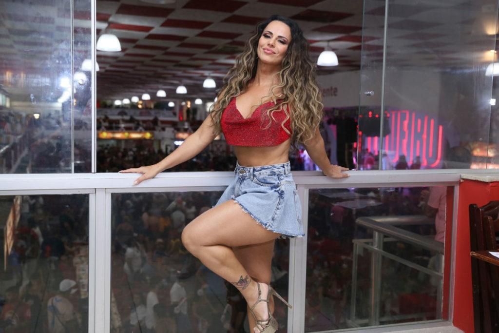 Viviane Araújo arrasou no look para ensaio do Salgueiro